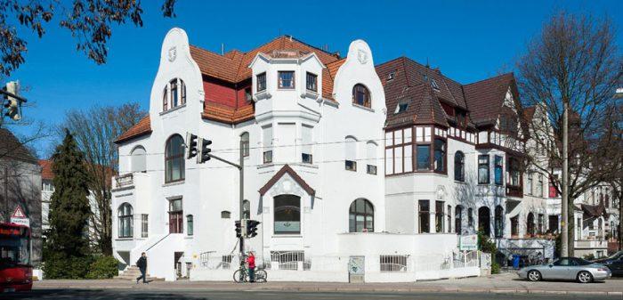 Eröffnung der Privatpraxis für Implantologie und Ästhetik am Kaiser-Friedrich-Denkmal 11